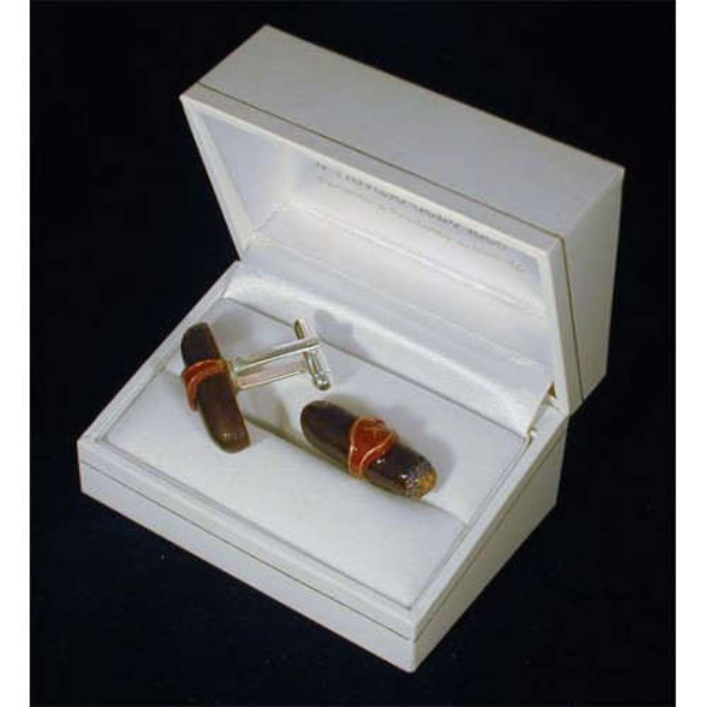 Cufflinks: cigarro habana