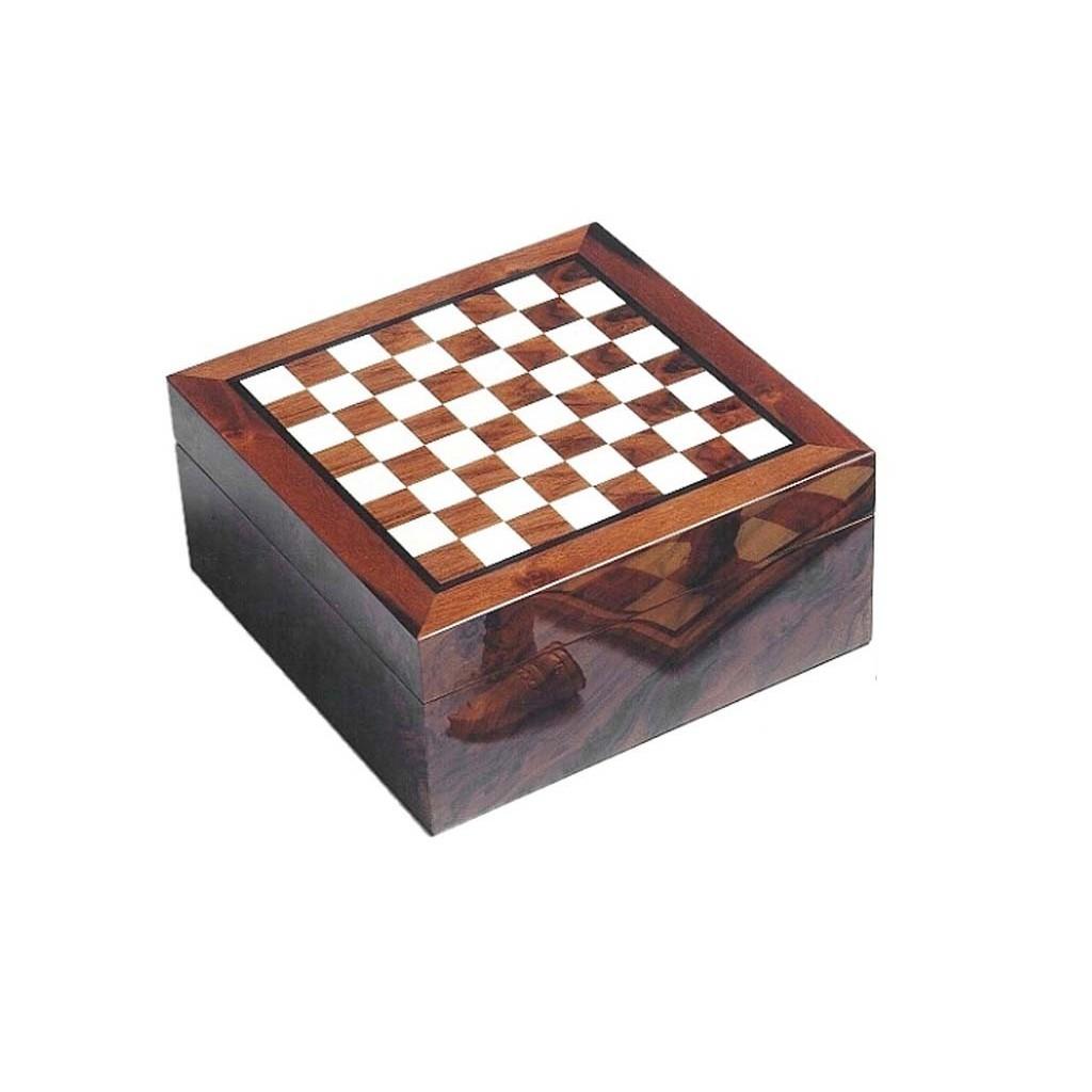 Humidor con tablero de ajedrez con incrustaciones