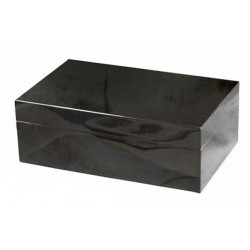 Humidor in black laque with digital higro